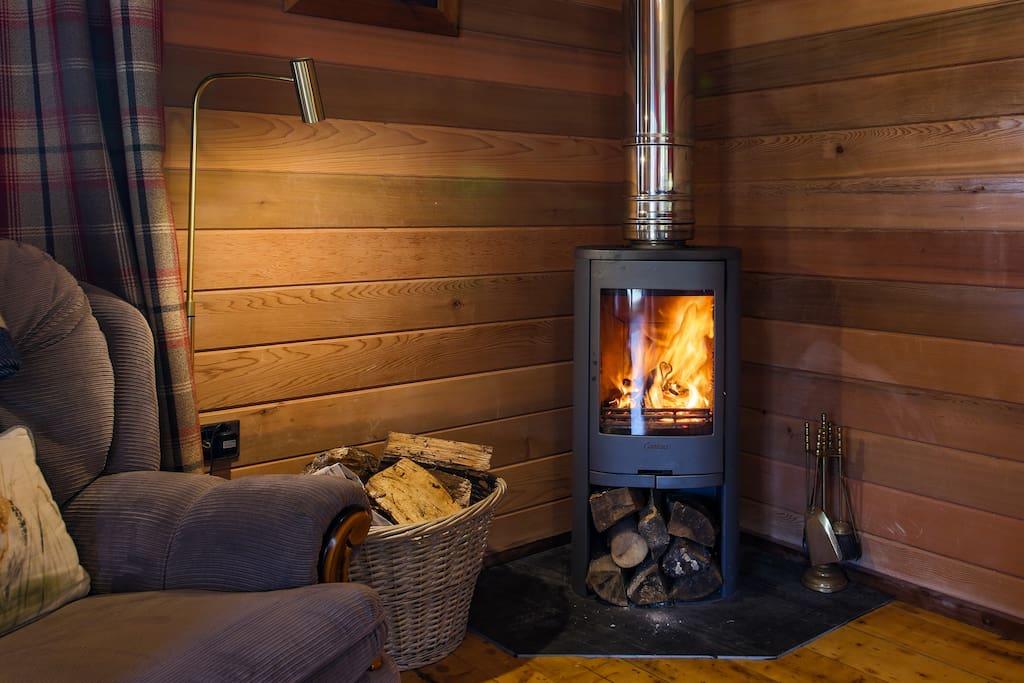 Roaring fire at Kingfisher Cabin